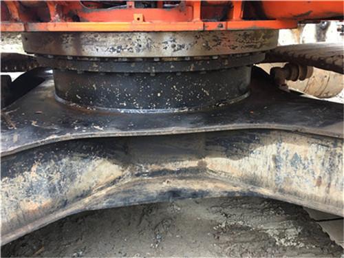 斗山DH220-7二手挖掘机正面转盘