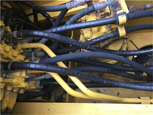 进口小松200-8N1二手挖掘机分配器