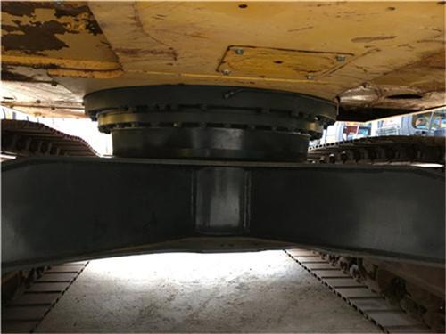 进口小松200-8N1二手挖掘机转盘