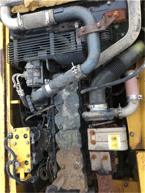 小松PC210-7挖掘机发动机