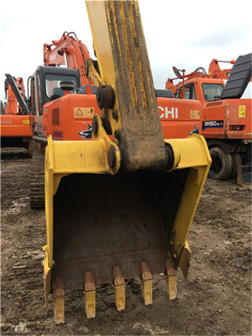 小松PC200-8中型二手挖掘机挖斗