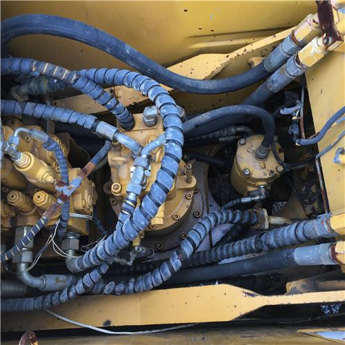 三一SY135-8二手国产挖掘机分配阀