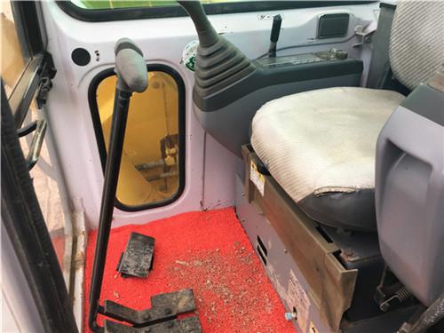 住友SH75进口二手小型挖掘机驾驶室