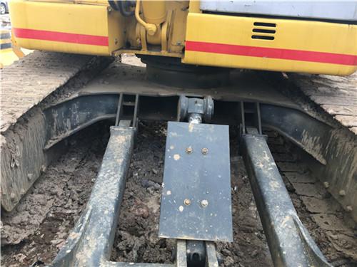 住友SH75进口二手小型挖掘机正面
