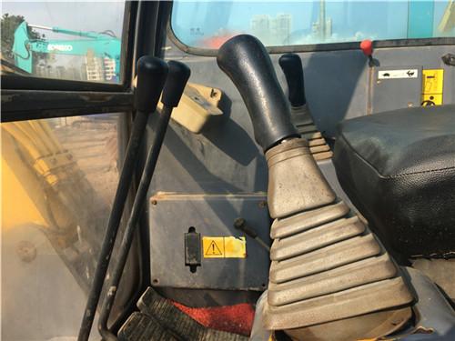 玉柴55-9二手小挖土机驾驶室