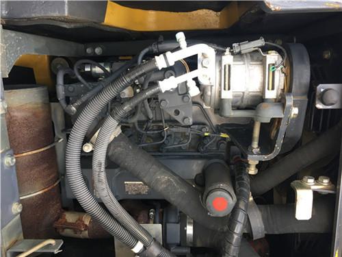 小松PC138US进口二手挖掘机发动机