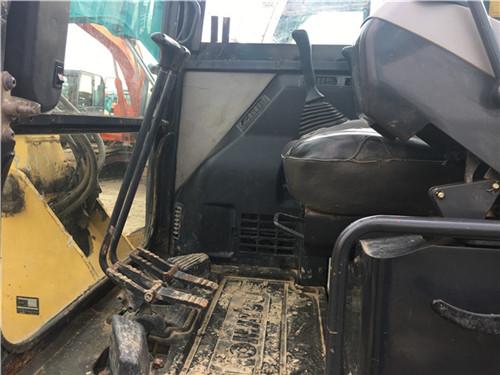二手小松PC56-7二手小型挖掘机驾驶室
