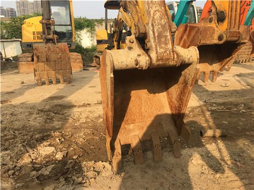小松PC35二手挖掘机交易市场挖斗