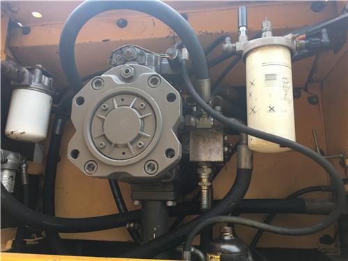 沃尔沃EC460大型二手挖掘机市场液压泵