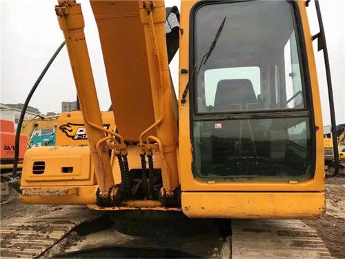 现代215-7二手挖掘机驾驶室