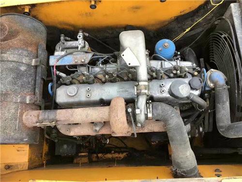 现代215-7二手挖掘机发动机