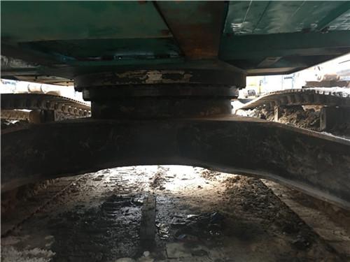 神钢SK260中型二手挖掘机转让转盘