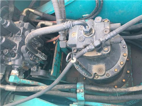 神钢SK260中型二手挖掘机转让分配阀