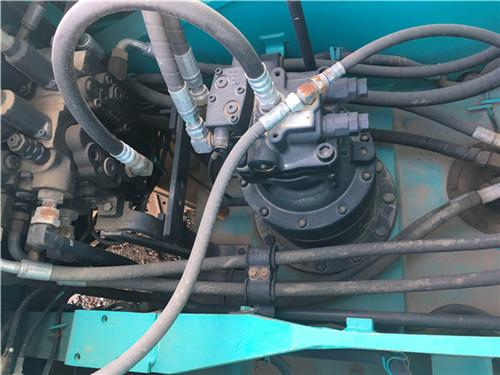 进口神钢SK200-10私人二手挖掘机分配器