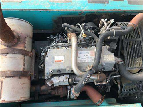 二手神钢SK200-8挖掘机发动机