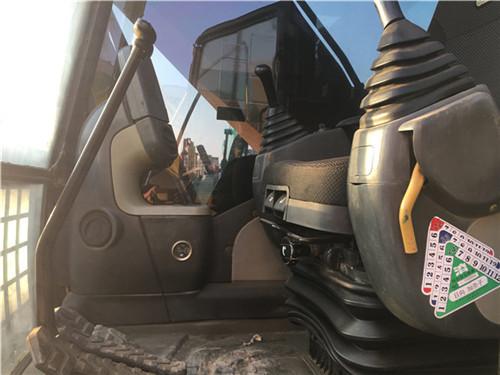 二手卡特323D挖掘机驾驶室