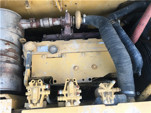 卡特323D个人二手挖掘机发动机