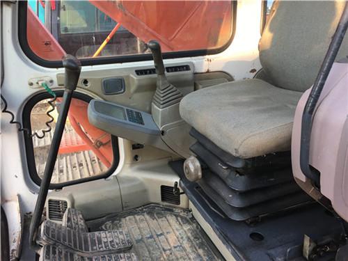二手斗山DH220挖掘机驾驶室
