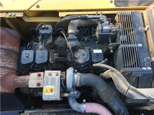 二手小松PC270挖掘机发动机