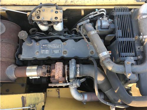 二手小松PC240中型挖掘机发动机