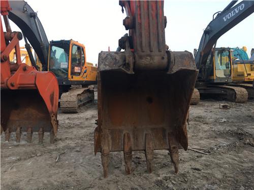 斗山DH225二手挖掘机市场挖斗