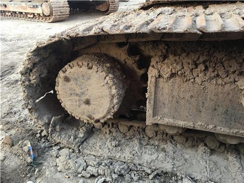 斗山DH225二手挖掘机市场履带