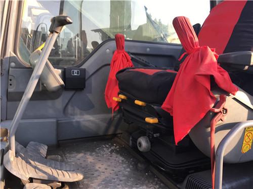 沃尔沃EC360二手挖掘机私人转让驾驶室