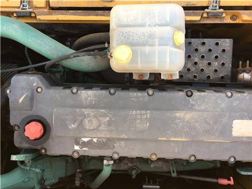 沃尔沃EC360二手挖掘机私人转让发动机