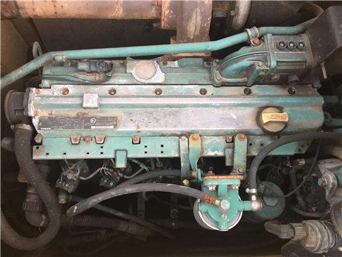 沃尔沃210二手挖掘机私人挖机发动机