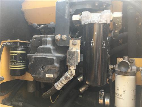 二手小松PC200-8MO挖掘机买卖液压泵