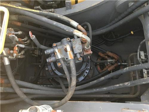 二手沃尔沃EC240挖掘机市场分配器