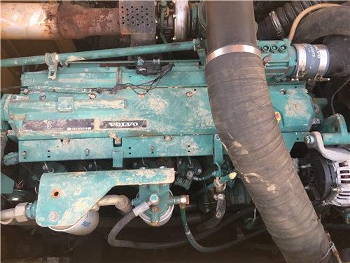 二手沃尔沃EC240挖掘机市场发动机