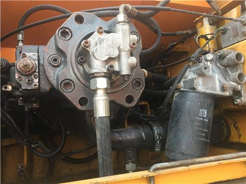 三一SY135二手挖掘機液壓泵