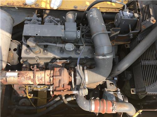 二手小松PC360-7挖掘机市场出售发动机