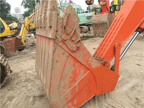 二手斗山DH220-7挖掘机私人出售挖斗