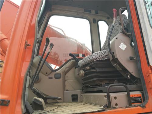二手斗山DH220-7挖掘机私人出售驾驶室