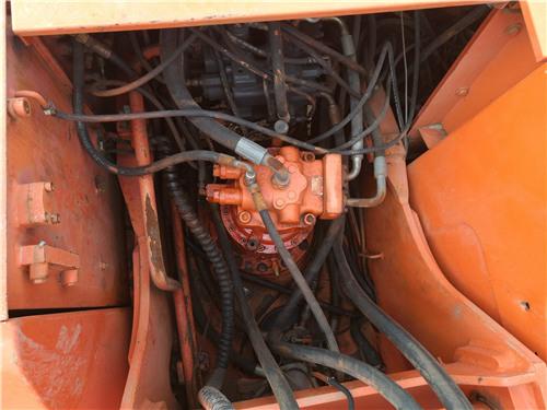 二手斗山DH220-7挖掘机私人出售分配器