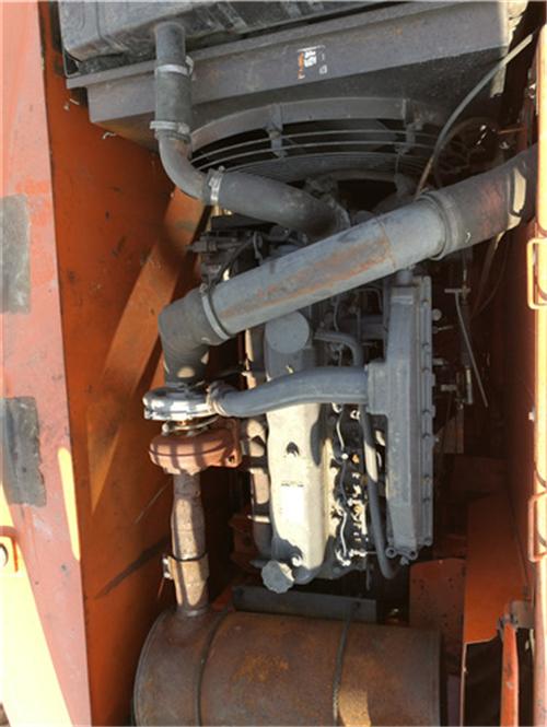 斗山220-7二手挖掘机出售信息发动机