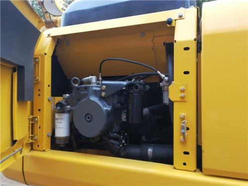 进口小松200-8二手挖掘机出售信息液压泵