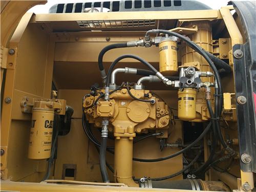 卡特326D二手挖掘机私人转让液压泵