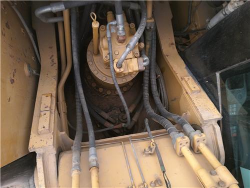 卡特326D二手挖掘机私人转让分配器