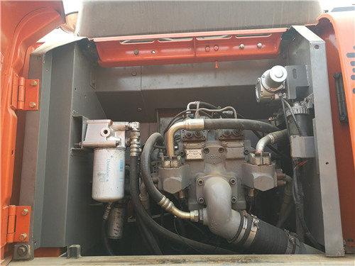 日立210-3G二手挖掘机出售信息液压泵