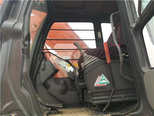 二手日立250-3G挖掘机市场转让驾驶室