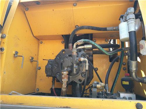 二手沃尔沃240挖掘机出售信息液压泵