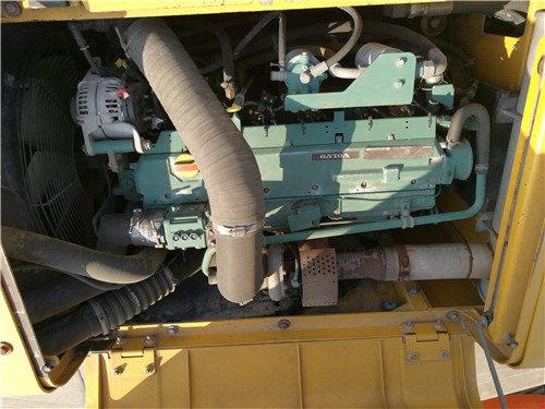 二手沃尔沃240挖掘机出售信息发动机