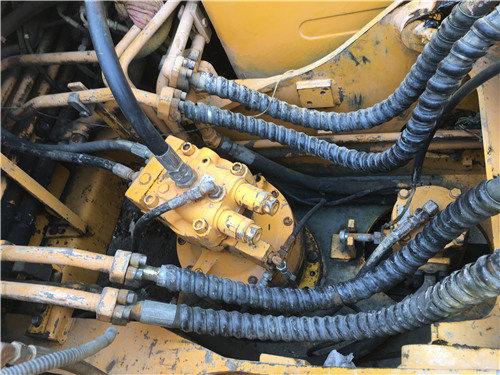 現代200-5二手挖掘機市場出售分配器