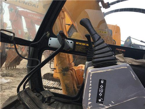 现代200-5二手挖掘机市场出售驾驶室