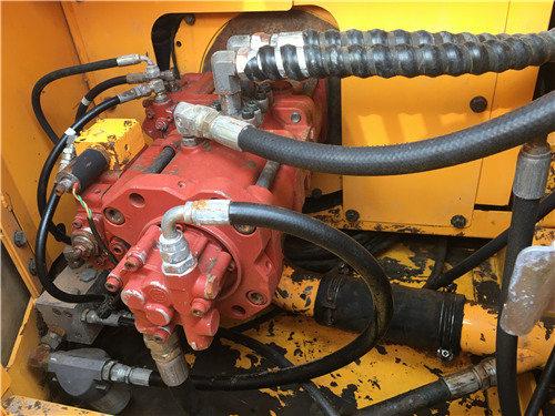 现代200-7二手挖掘机个人出售信息液压泵