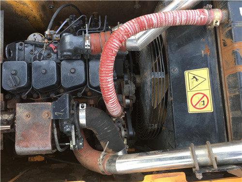 现代200-7二手挖掘机个人出售信息发动机