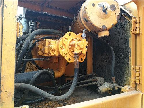 現代220-7個人二手挖掘機出售信息液壓泵